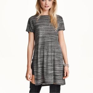 Grey T with high slit